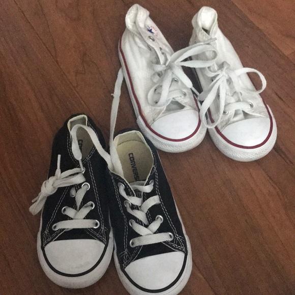 b4cd323c3db2b7 2 pairs kids Converse size 9